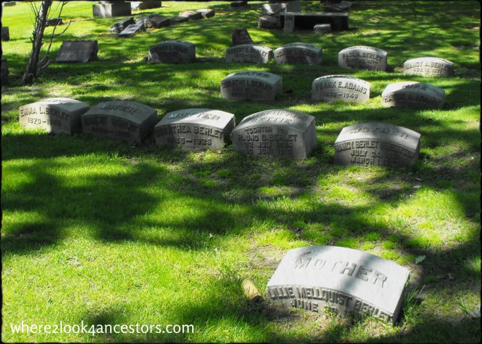The Berlet family plot in Montrose Cemetery, Chicago Illinois